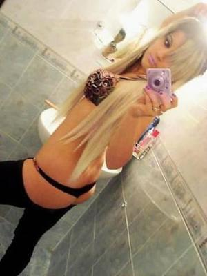 Karyl from Colorado is looking for adult webcam chat