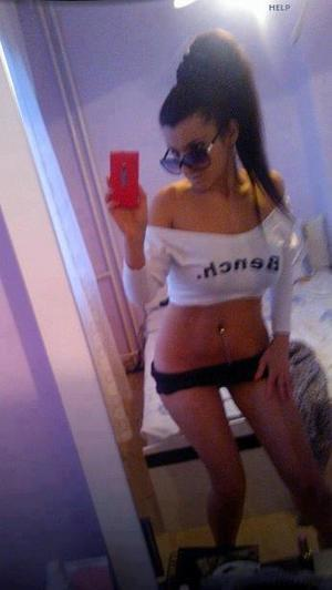 Celena from Bellevue, Washington is looking for adult webcam chat
