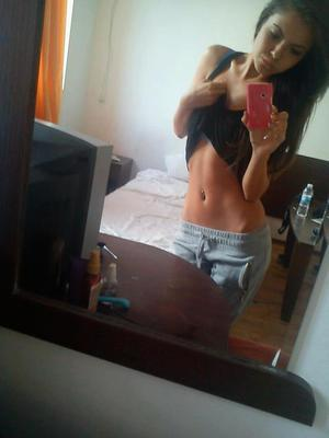 Darci from Glade Spring, Virginia is looking for adult webcam chat