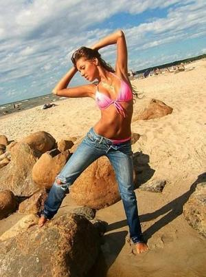 Elidia from  is looking for adult webcam chat