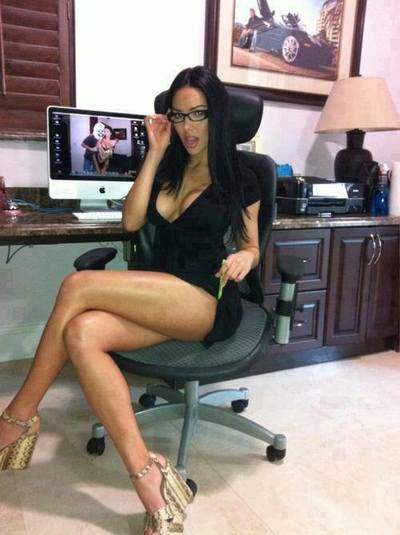 Charla from Kirkland, Washington is looking for adult webcam chat