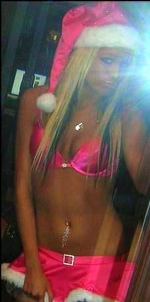Candra from Coldbay, Alaska is looking for adult webcam chat