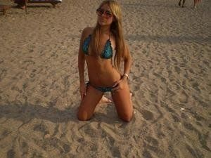 Lucrecia from Atqasuk, Alaska is looking for adult webcam chat
