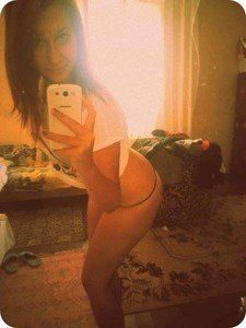 Elisa from Tennessee is looking for adult webcam chat